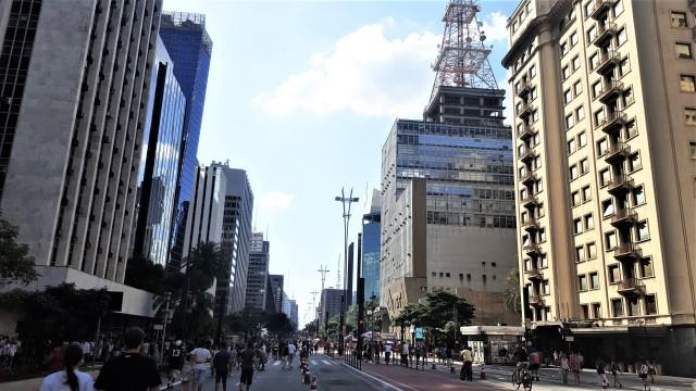 sao paolo avenue paulista.jpg